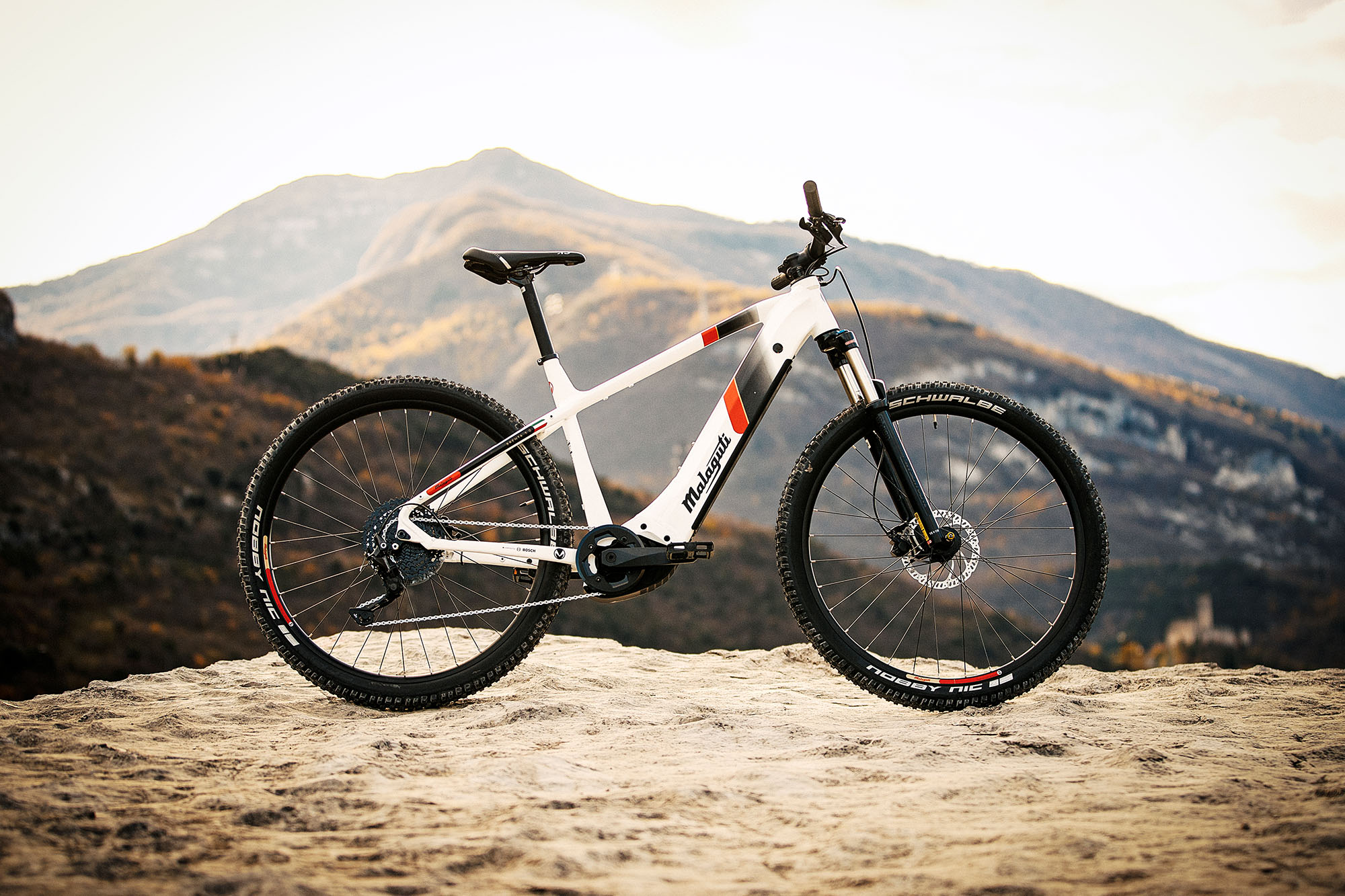 https://malaguti-bicycles.com/wp-content/uploads/sites/2/2020/10/MALAGUTI20_BRENTA_NORTHGARDA_byADL-4013.jpg